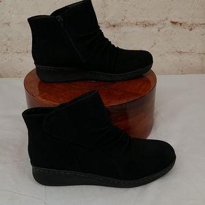 Black Yuu Ankle Boots